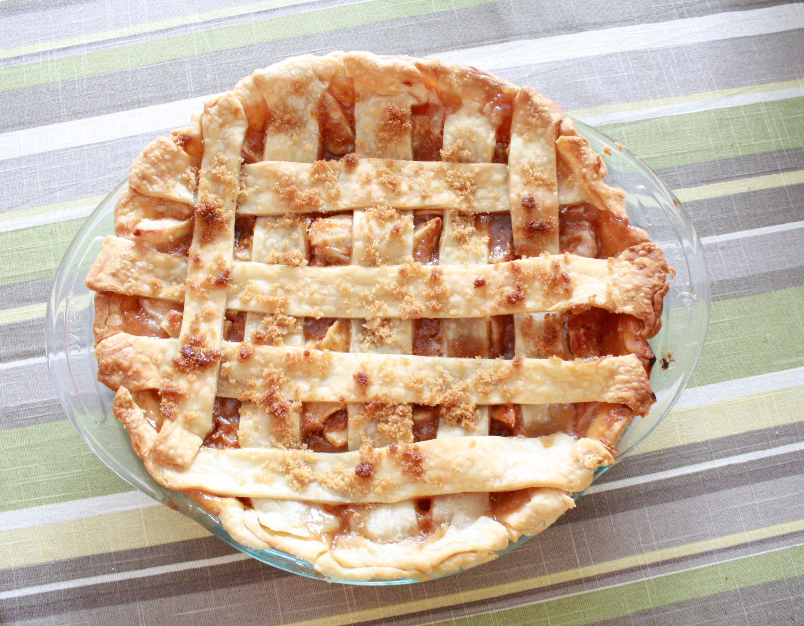 Best Caramel Apple Pie